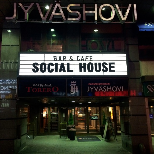 2015 5 jyv social house facade